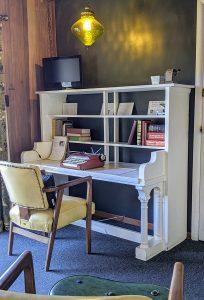 Cabin 6 Write decor