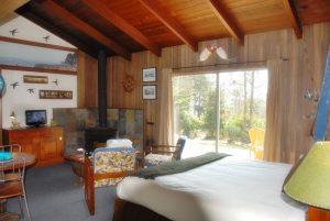 Cabin 3 Here decor