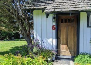 Cabin 6 Write exterior